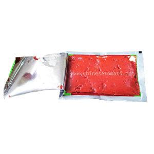 De dubbele Tomatenpuree van het Sachet van Concentraat 28-30% Brix 70g