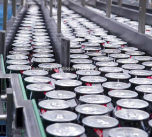 アルミニウム缶の満ちる包装機械