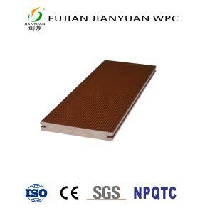 屋外の中国のWPCによって浮彫りにされる純木のプラスチック合成物WPCのDecking