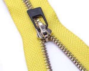 De Ritssluiting van het metaal met de Gele Band van de Kleur en glanzend-Zilveren Tanden/RubberTrekker en Hoogste Kwaliteit