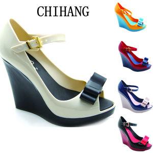 2013 Nouvelle mode des chaussures en PVC de filtre en coin Jelly (CH-JL812)
