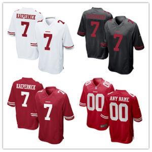 人の女性の青年49ersジャージ7つのColin Kaepernickのフットボールのジャージ