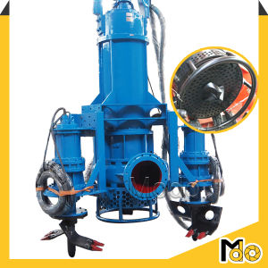 Des travaux de dragage de la rivière de la pompe submersible