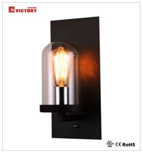居間が付いている現代簡単で装飾的なガラス壁ライト