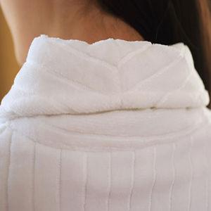 Accappatoio di lusso supremo dell'hotel della banda del velluto del collare classico dello scialle (DPFT8069)