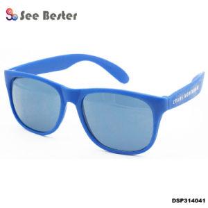 58efe7d1d7 El verano de 2018 Unisex Tac de plástico de color de lente polarizada gafas  de sol