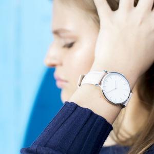 熱いFashion Gift Swiss Quality販売の女性水晶腕時計