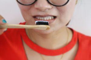 De privé Tanden die van het Etiket het Bleekpoeder van de Tand van het Poeder Ophelderen