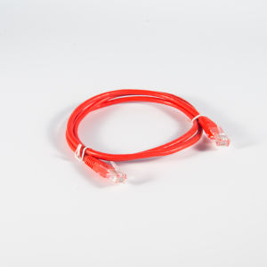 Pase de Fluke Rojo Cat 5e UTP Cable CCA para ordenador/Patch Panel 10 m.