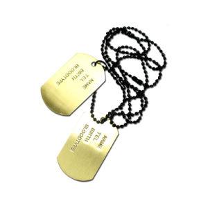 Kundenspezifisches Decklack-Metall gefallene Held-Goldflaschen-Öffner-Metallhundeplakette (050)
