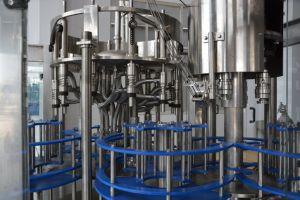 Automatische Lineaire 5L Fles die Vloeibare het Vullen van het Water Machine met de Etikettering van de Verpakking drinken