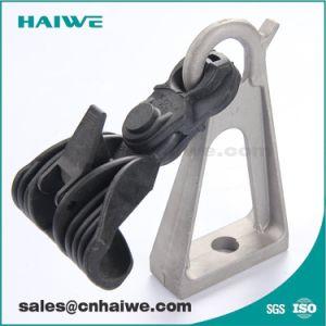 Preinstallare il morsetto di alluminio della sospensione del complessivo staffa