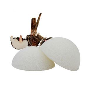 La moitié de la bille au Japon organiques naturels pour le visage d'éponge de nettoyage de konjac