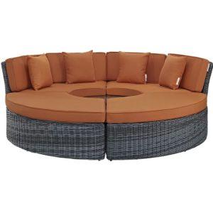 Пол в саду плетеной круглой формы диван,