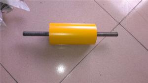 Зевака транспортера с продетым нитку валом