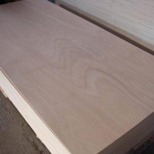 1220*2440mm Okoume Cara con Ploywood comercial para uso en interiores en Linyi