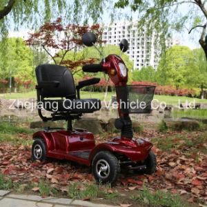 Quatre roues scooter de mobilité électrique extérieur