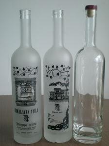 Bereiftes Glas-Wodka-Flaschen