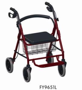 Rollator di alluminio con la sede e rotelle e vibrazione sul poggiapiedi