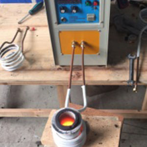 La inducción de alta frecuencia crisol horno horno de fundición de Platino fundidor de metal