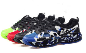 Los hombres de color brillante de encaje hasta los zapatos de deportes