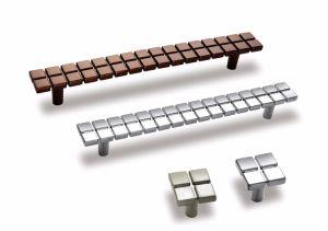 Горячая Продажа мебели из алюминия двери распределительного шкафа обрабатывает шкаф с длинной рукояткой