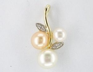 pendente dell'oro giallo 10K con la perla