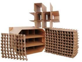 [سملّ بوإكس] يجعل آلة طلعت [سلوت مشن] لأنّ صندوق من الورق المقوّى