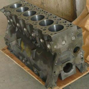 小松6D95エンジンのシリンダブロック