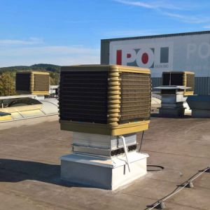 Теплообменник промышленной воды при испарении вентилятора охладителя нагнетаемого воздуха