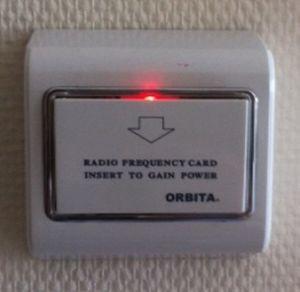 Chambre d'hôtel Smart Energy Saving Insert électrique RFID de l'interrupteur de la Key Card Économiseur de batterie
