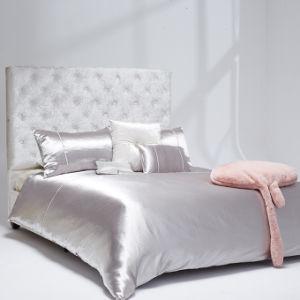 豪華なハンドメイドのダイヤモンドのトリムはのどの絹のBlingblingの寝具セットを装飾した
