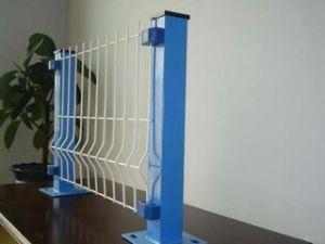 卸売5/8  X 5/8 の3Dによって溶接される金網の塀のパネル