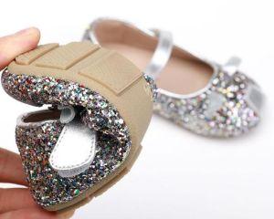 La nueva moda de zapatos para niños