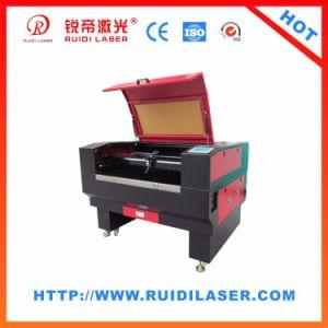 革のための高いPrecsionレーザーの切断の彫版機械