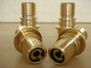 Haute précision de pièces d'usinage CNC en laiton