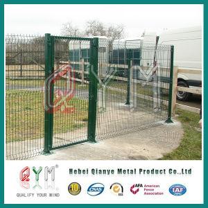 三角形の曲がる塀/3Dによって曲げられる溶接された金網または網の塀のパネル