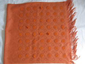 30%のカシミヤ織70%のウールの明るい切り分けるショール