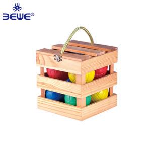 Moda barata de plástico llenas de agua bochas con caja de madera