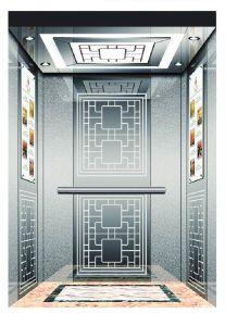 Elevador de pasajeros con una pequeña sala de máquinas
