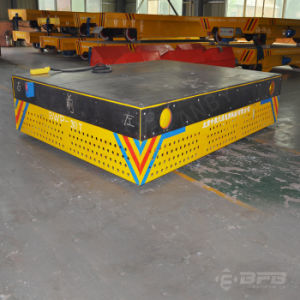 Trackless plate-forme de transport alimenté par batterie