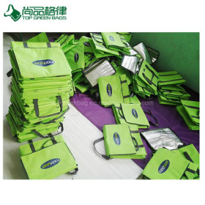 Poignées robustes à fermeture éclair personnalisé promotionnel vert Sac à lunch d'aliments isolé