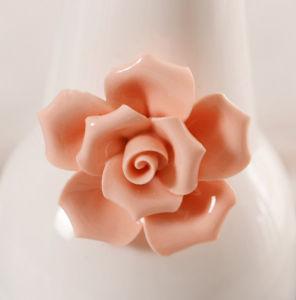 陶磁器の花つぼの白い陶磁器のつぼのOffice&Homeの装飾的なアクセサリ