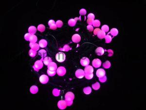 RGB LEIDENE van de LEIDENE Kleur van Kerstmis het Veranderlijke Licht van de Vakantie met Ballen