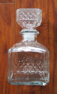 500ml高品質の正方形の格子ガラスワイン・ボトル