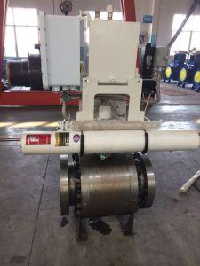 Het toestel stelt de Metaal aan Metaal Kogelklep van de Zetel in werking