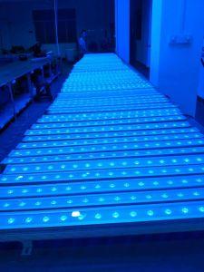 18/24/36PCS 10W 4in1 RGBW屋外LEDの壁の洗濯機ライト防水壁の洗浄段階ライト