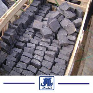 自然な石のZhangpuの黒い玄武岩のペーバーCubestoneのヒューロンの胆ばんの敷石
