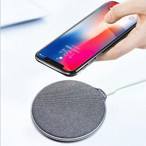 Venta caliente 10W la carga rápida Pad Teléfono móvil Wireless Cargador para Samsung y para el iPhone