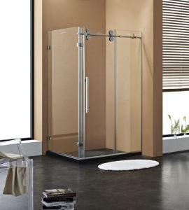 명확한 유리와 크롬 기계설비 샤워실 미끄러지는 샤워 울안